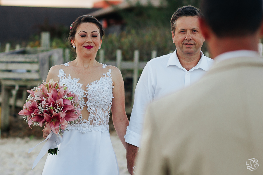 casamento-na-praia-praia-do-ferrugem-santa-catarina-34