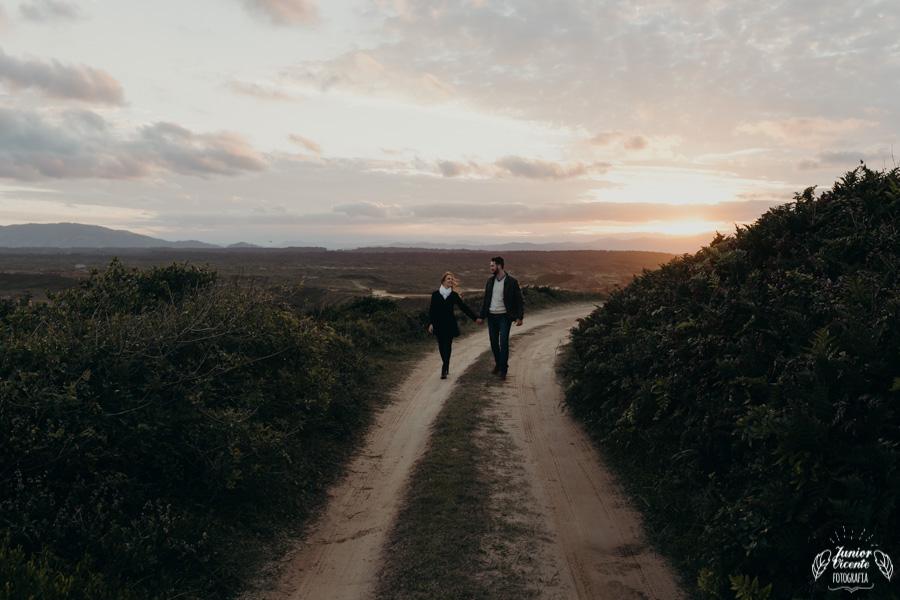 ensaio de casal - laguna santa catarina - book de casal praia - por-do-sol-37